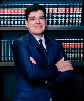 Advogado Especializado em Direito Cível e Compliance - Marcos DeMelo